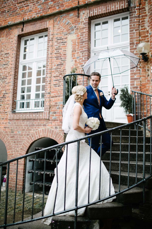 Fotoshooting von Brautpaar. Hochzeit im Schloss Herten.