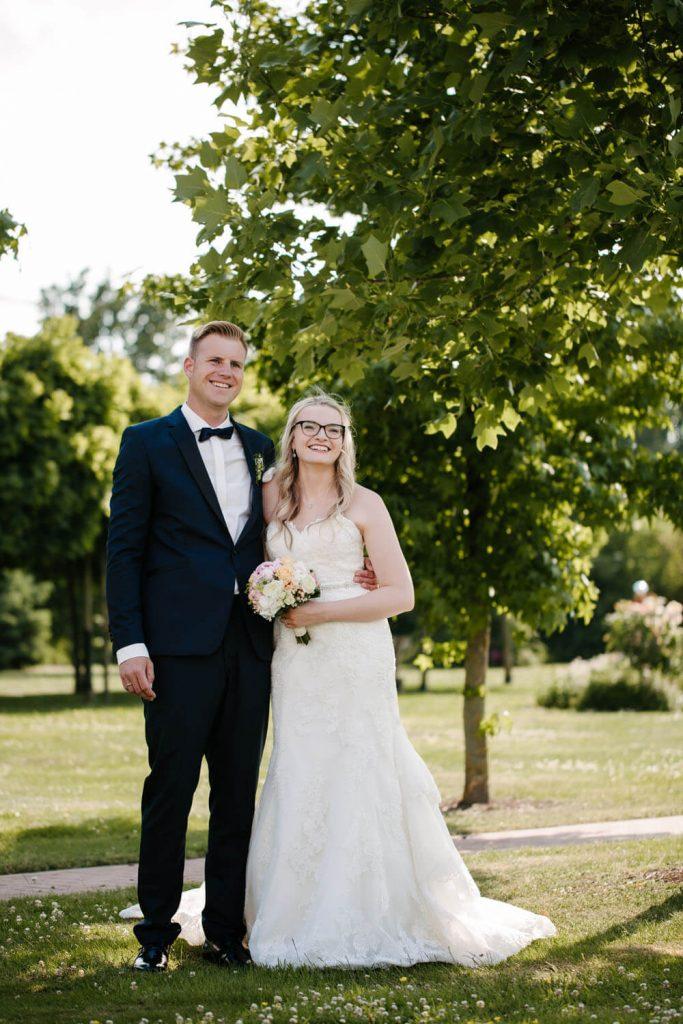 Hochzeitspaar beim Fotoshooting. Hochzeit Lingemann Wallenhorst
