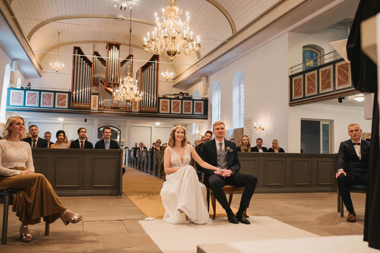 Kirchliche Trauung. Hochzeit Sittensen. Hochzeitsfotograf Osnabrück.