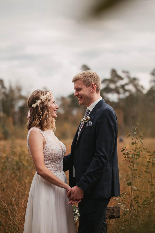 Fotoshooting Brautpaar. Hochzeit Sittensen. Hochzeitsfotograf Osnabrück.